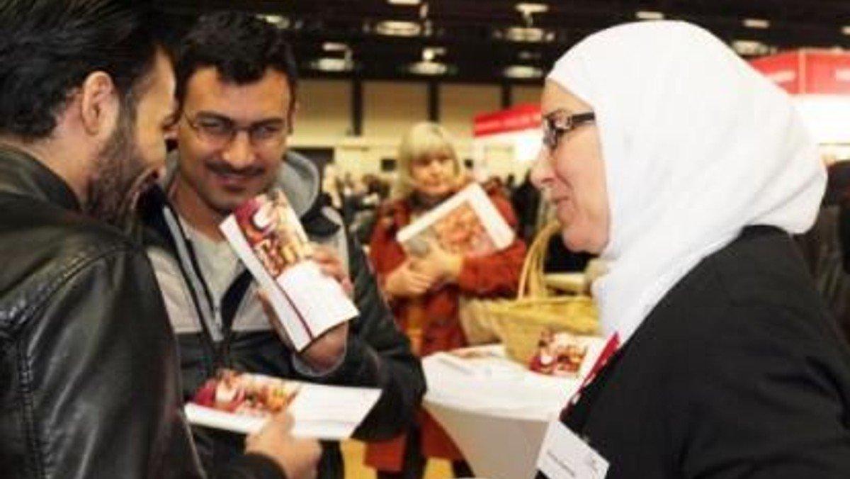 Mentoring und Praktika nach Fluchterfahrung – Mentoring and Internships for refugees