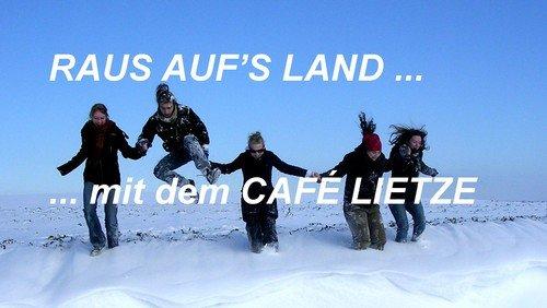 RAUS AUF'S LAND ...