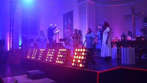 Das Hasper Luther Musical vor übervoller Kirche!