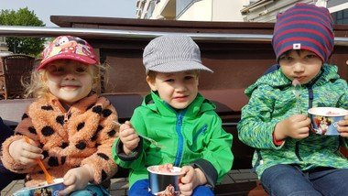 Eis schmeckt lecker :)