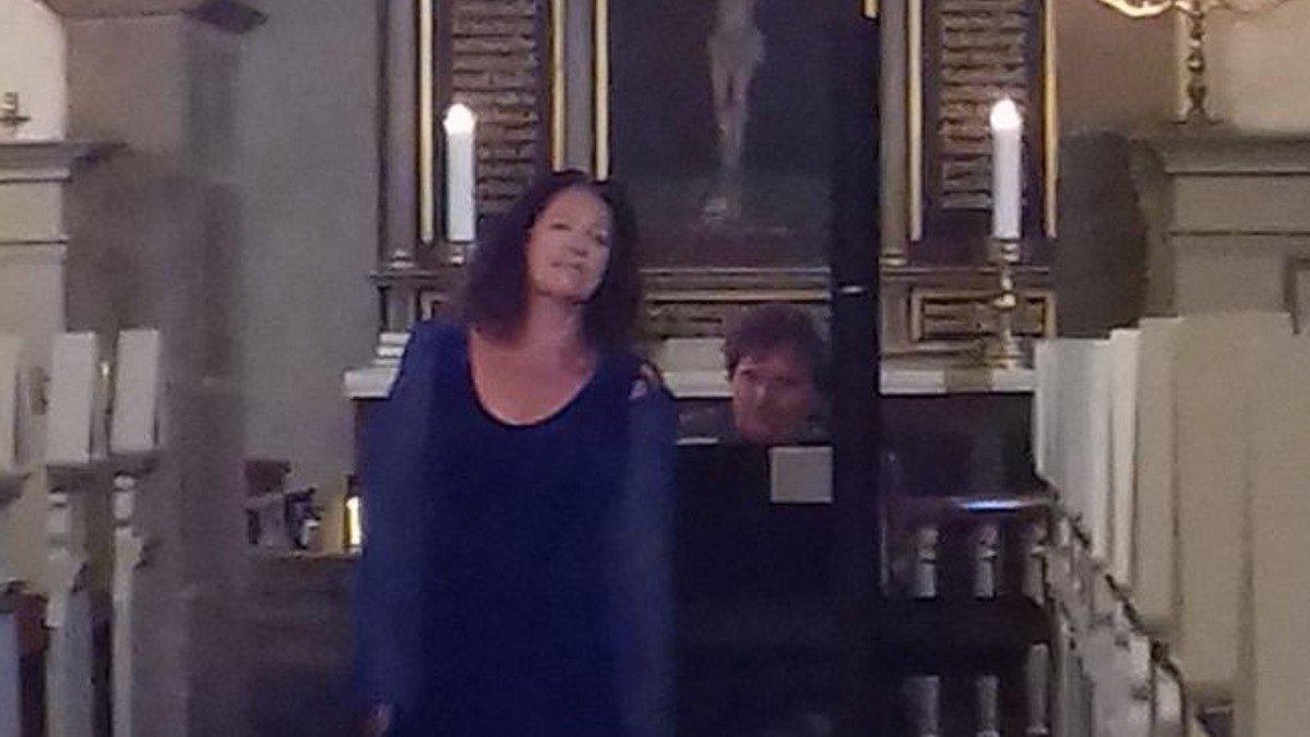 Flot operasang ledsaget af sublimt klaverspil