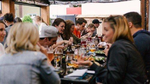 1. Langer Tisch der Kulturen am Branitzer Platz