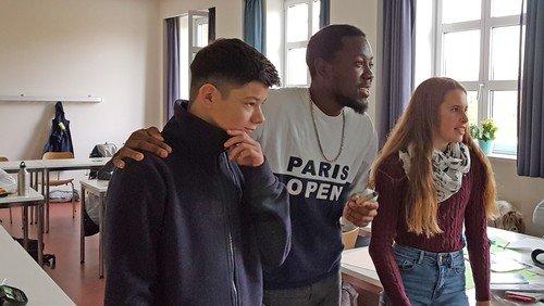Gedenken an Dorothee und Harald Poelchau: Jugendliche stellen Entwürfe im Rathaus Charlottenburg aus