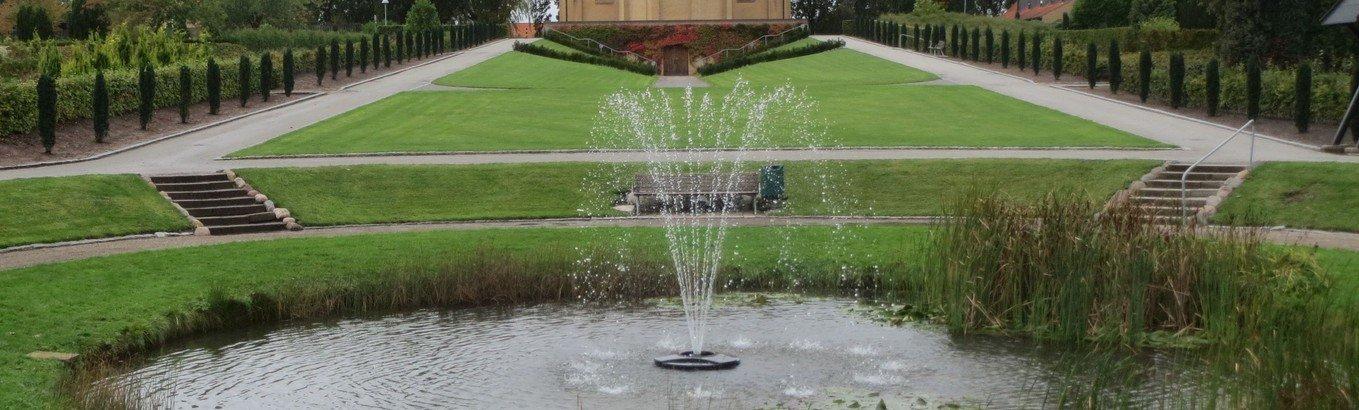 Nyt springvand i kirkegårdsdammen