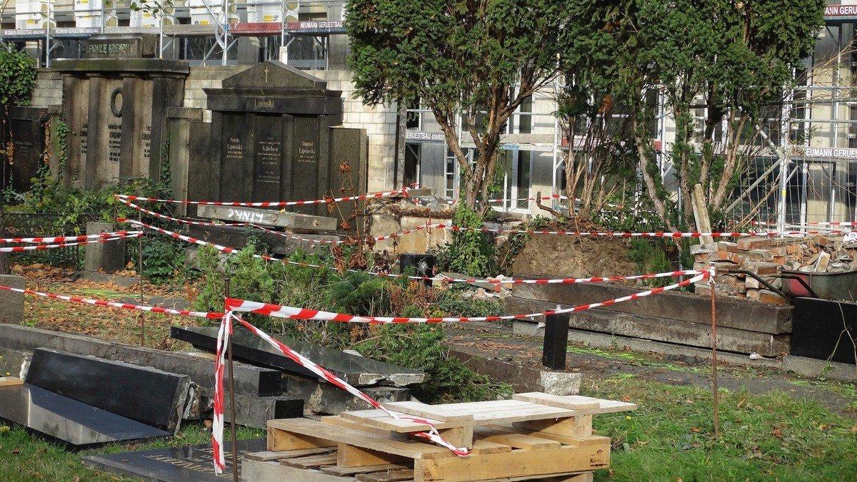 Instandsetzung der Wandgräber auf dem Neuen Zwölf-Apostel-Kirchhof
