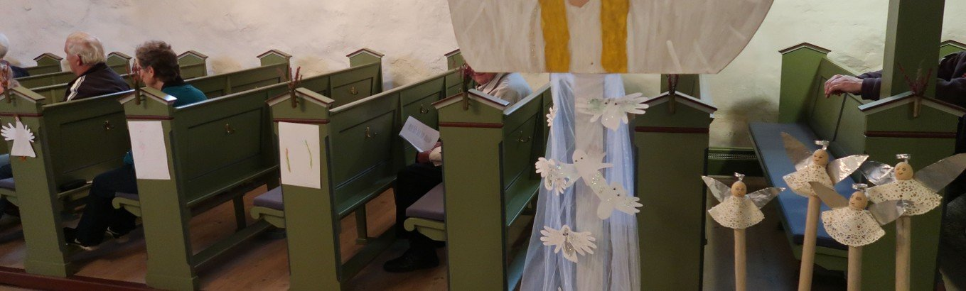 Små og store engle i Hjortdal Kirke