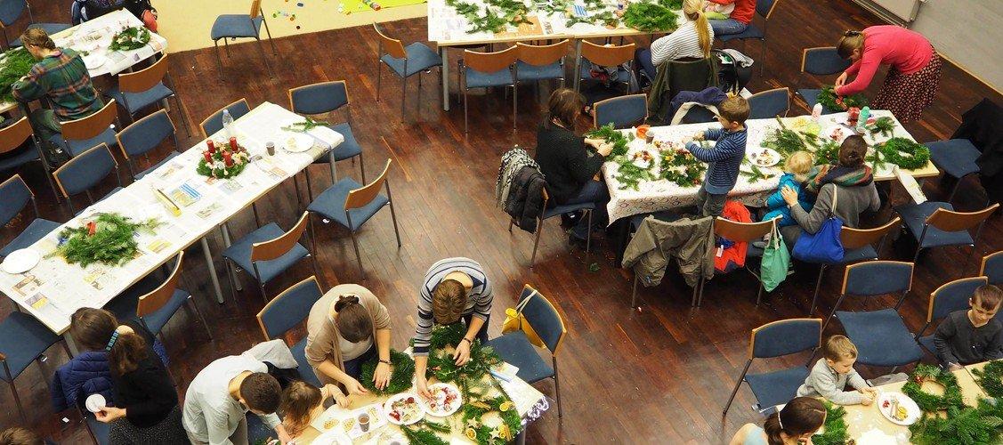 Basteln und backen: Adventsprogramm auf dem Campus Daniel
