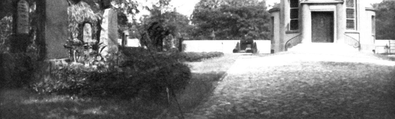 Einweihung einer Gedenktafel für den Jüdischen Friedhof in der Neuen Bergstraße