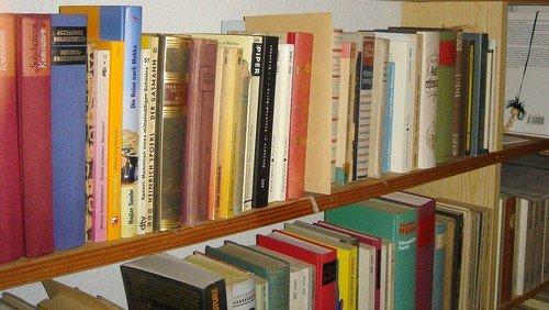 Bücher für unsere Leseecke gesucht!