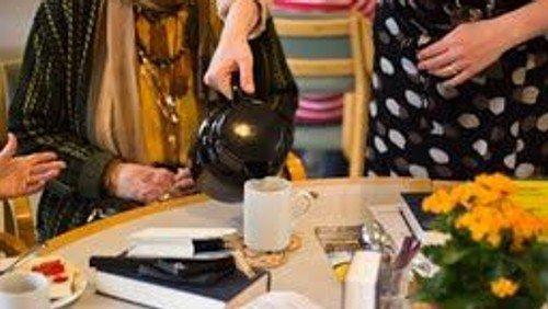 Café Den Brogede Verden søger frivillige