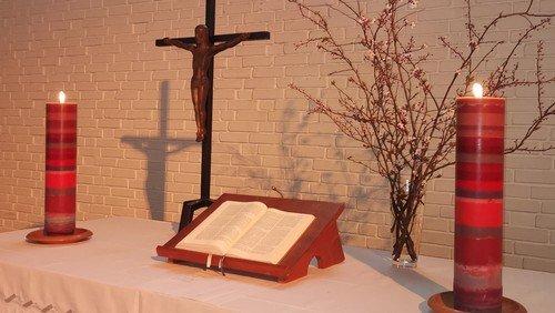 Altarkerzen aus Kerzenresten neu gegossen