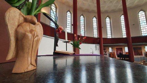 Offene Kirchen und Glocken und Gebet um 12 Uhr!