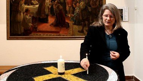 Verbunden bleiben - Pfarrerin Ahrens-Cornely übers Beten