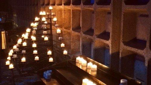 Gern auch für Ihre Gebetsanliegen:  Fürbittandachten in der Gedächtniskirche am Donnerstag um 18 Uhr