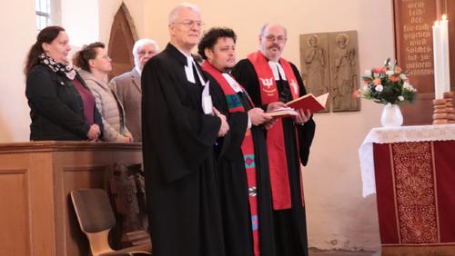 Ehemaliger Pastor Achilles predigt in Gadenstedt
