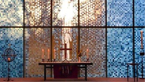 Lichtspiel in der Martinus-Kirche