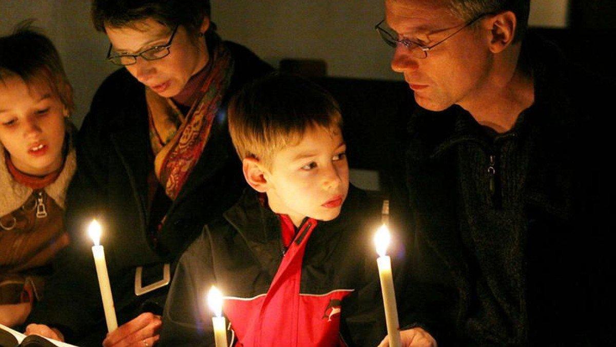 Familienkirche am Ostermorgen zu Hause feiern