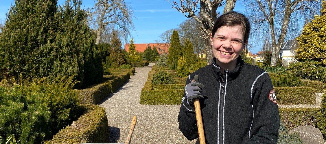 Ny medarbejder på kirkegården