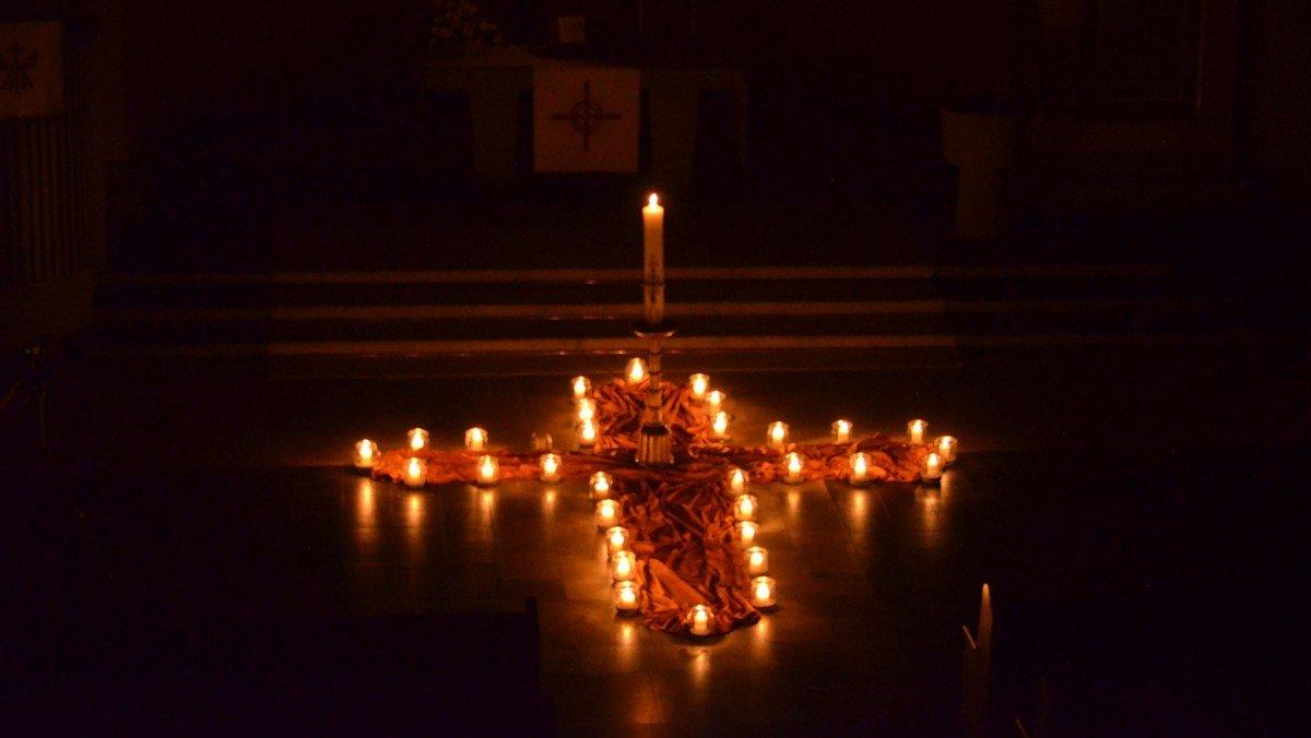 Die Feier der Osternacht - Christ ist erstanden!