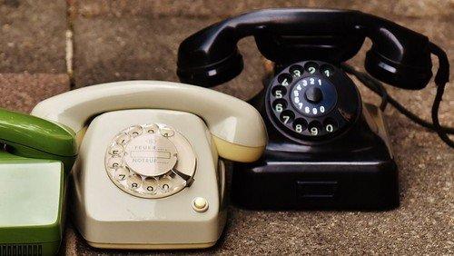 Mindestens ein Telefonat täglich! Von Veronika Wolf, Seniorenmitarbeiterin