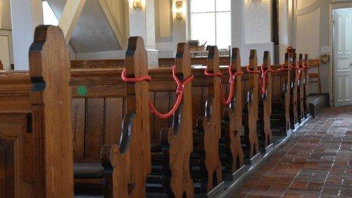 Die Nienstedtener Kirche  ist sonn- und feiertags  von 15:00 bis 16:30 Uhr geöffnet