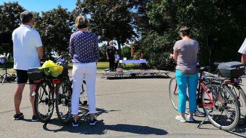 Statt gemeinsamen Gesang klingelten die Fahrradglocken