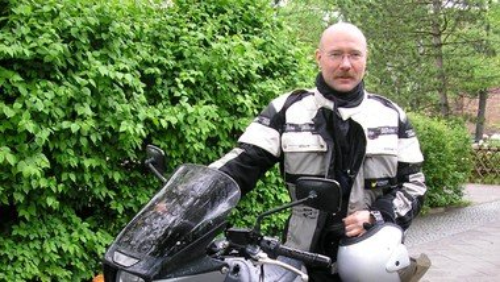 Gedenkgottesdienst für Motorradpfarrer Bernd Schade -