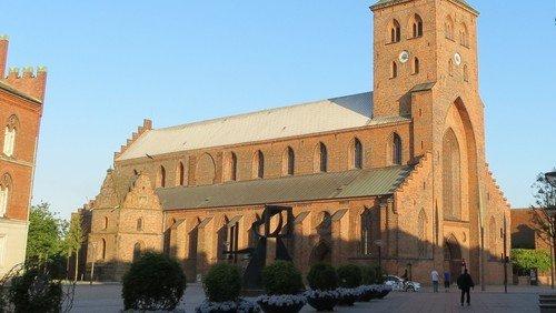 Odense Domkirke og Graabrødre Klosterkirke – Tjenester, rundvisninger og åbningstider (opdateret 30. oktober)