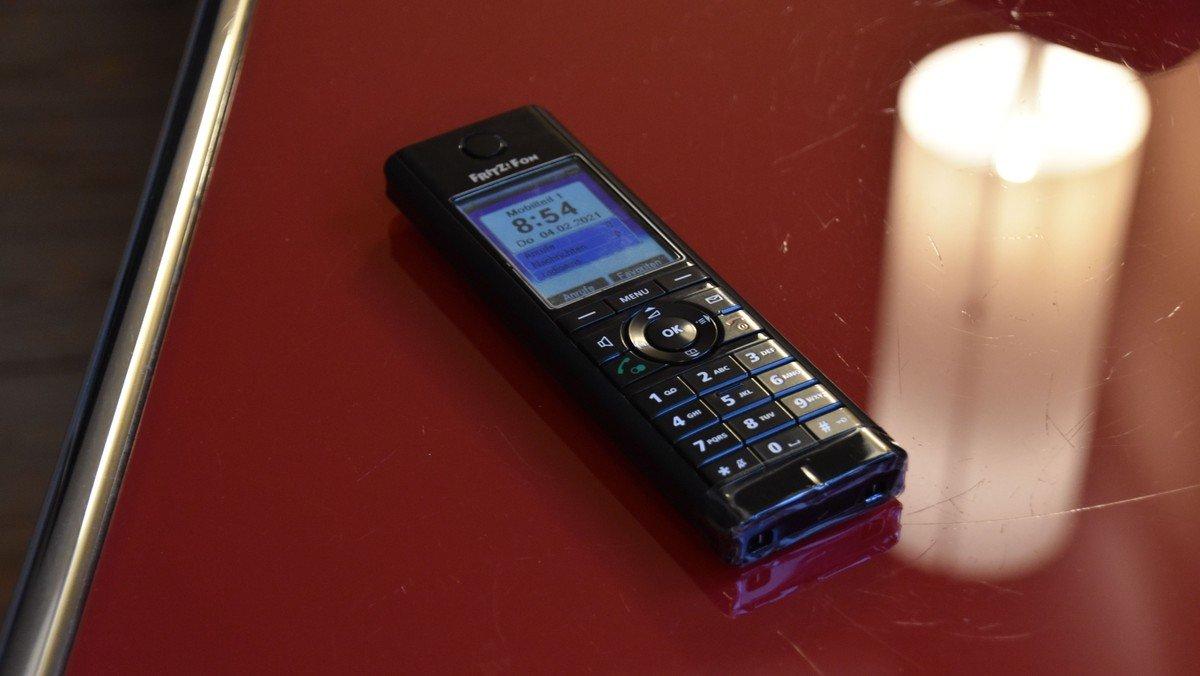 Hören Sie unsere Gottesdienste per Telefon: (0345) 483 418 004 und online!