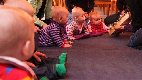 Babysalmesang og tumlingesang