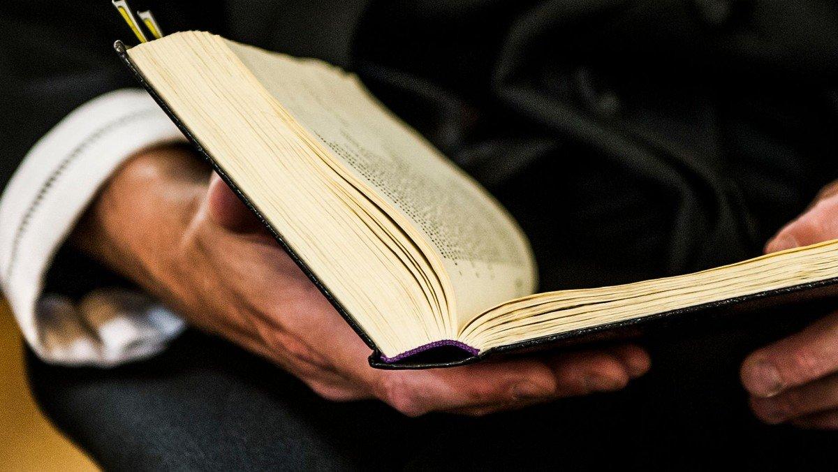 Læs søndagens tekst