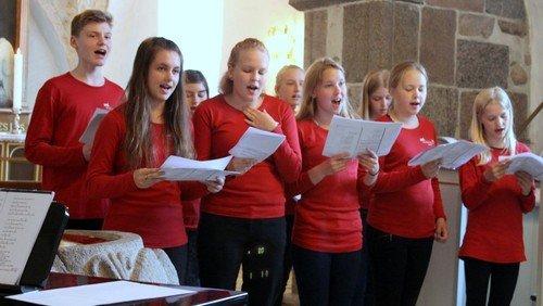 Mini- koncert med kirkekoret i Ejstrup kirke blev afholdt søndag d. 23. juni 2019