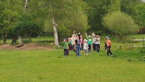 Kindergruppen Quietschies & Goldfische  im Moor...