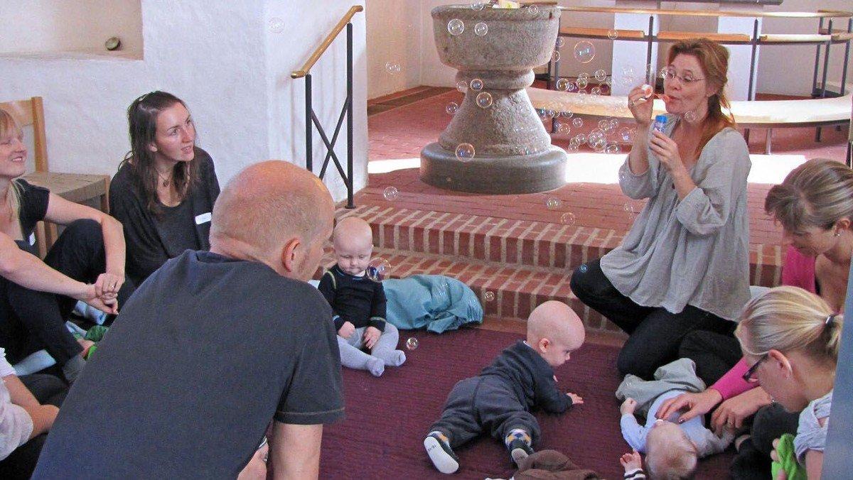 Babysalmesang og De små synger starter igen