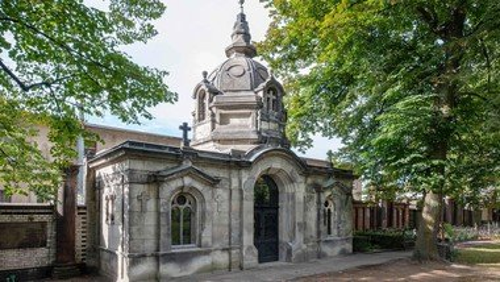 Neues Video: Die Restaurierung des Mausoleums Günther auf dem Alten Zwölf-Apostel Kirchhof