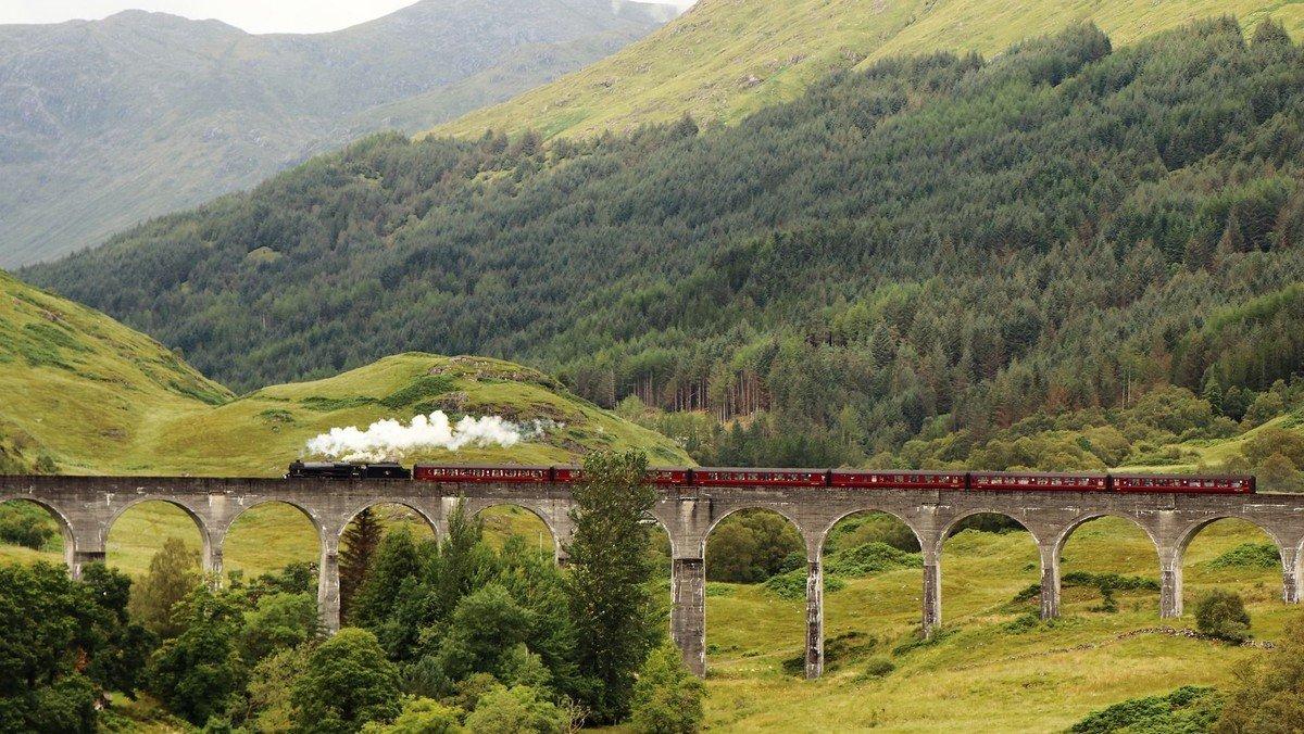 Freizeit für Junge Erwachsene 18-30 Jahre in England & Schottland