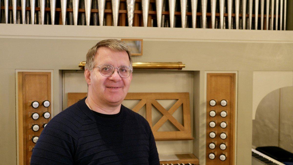 Orgelbruset bagerst fra kirken