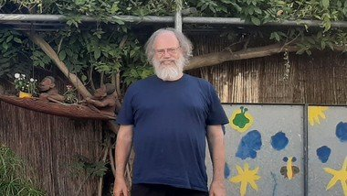 Pfarrer Fitterer-Pfeiffer unterstützt Neureut-Nord während Elternzeit