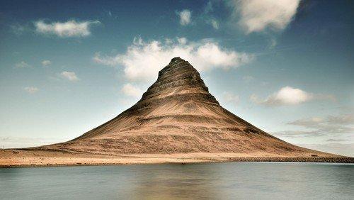 Intet menneske er en ø. Tanker ved Allehelgen