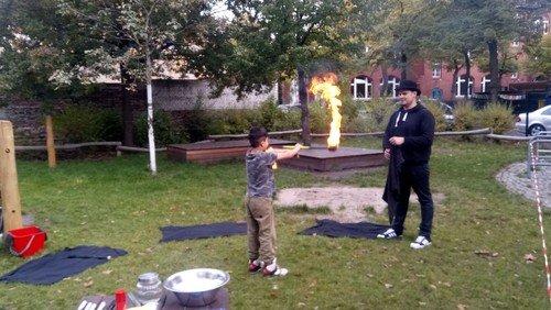 Mit dem Feuer spielen? - Kinder-Ferienprogramm in der KreativFabrik