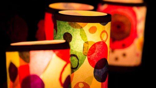 Ein Licht/eine Laterne im Fenster - eine Aktion der Ev. Kita Frohnau