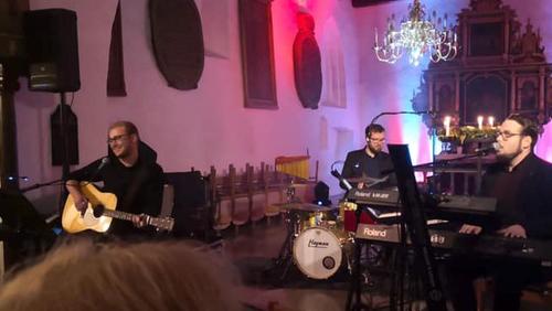 FOLE KIRKE: Adventskoncert m. Lasse Sørensen Trio