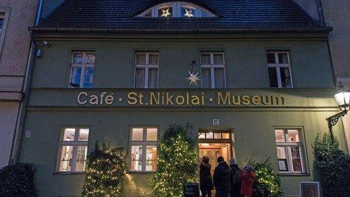 Online-Ausstellung mit Krippen aus aller Welt und historischen Weihnachtskarten