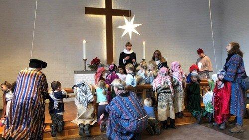 Merry Christmas wishes from Danish churches around the world