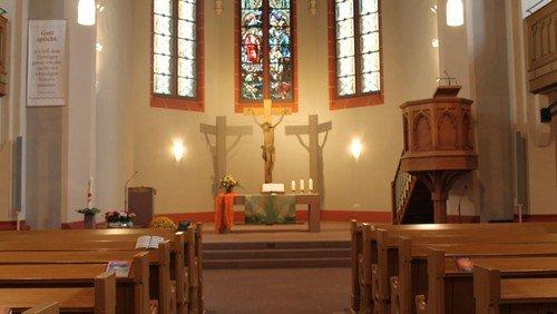 Präsenzgottesdienste in der Nordkirche: Kirchengemeinderat wägt ab und entscheidet weiterhin dafür
