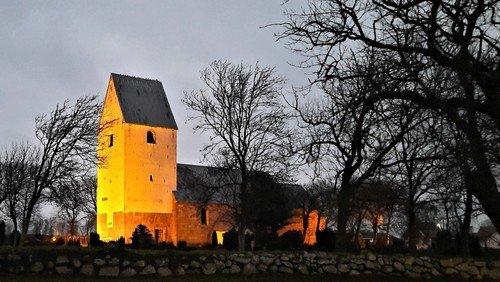 Vi fejrer kyndelmisse i Hillerslev kirke  den 31. januar, kl. 16.00