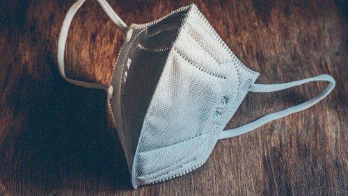 FFP2-Maske beim Gottesdienst