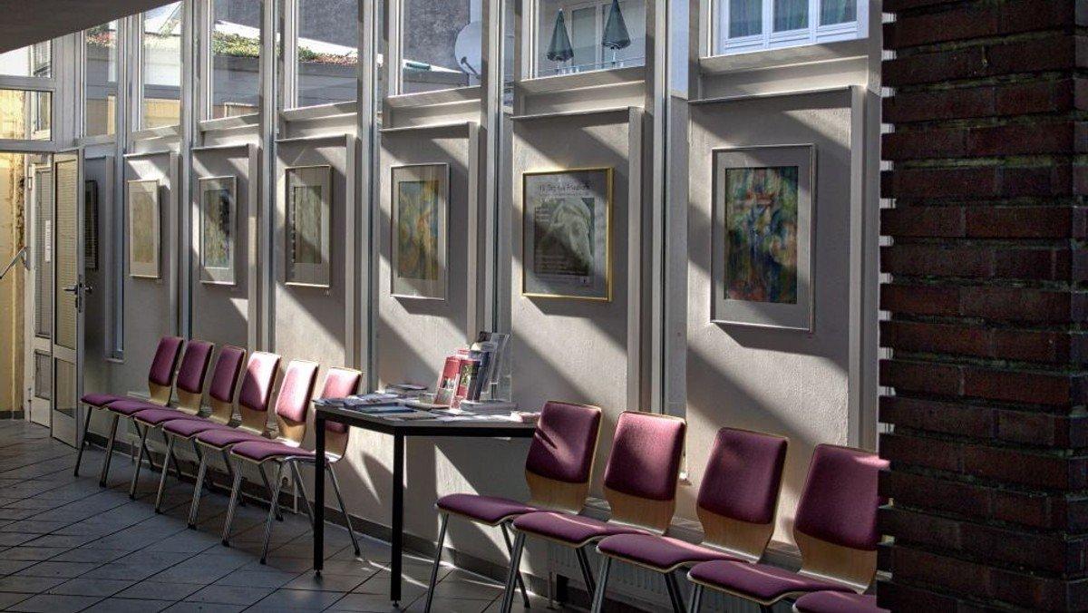 Sprechzeiten in der Kirchhofs-Verwaltung nur nach telefonischer Voranmeldung