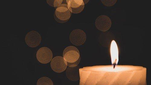 #lichtfenster: Freitag wieder Corona-Gedenken