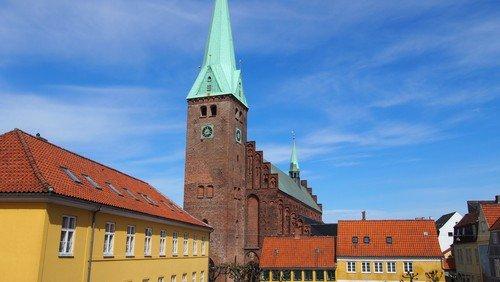 Kirkekontoret er lukket  onsdag 12.  maj - ved uopsættelige sager kontaktes Vestervang på tlf. 49210684